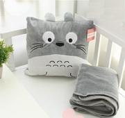 Chăn trong gối 3 in 1 Totoro  vuông