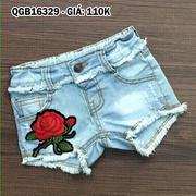 Quần short jean wash rách đính bông hồng dễ thương cho bé gái 1 - 8 Tuổi QGB16329