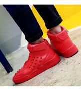 giày sneaker cổ cao nạm đinh