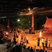 """Tour Đà Lạt Milk 3N3Đ – Vườn Hoa Cẩm Tú Cầu – Đường Hầm Đất Sét – Rừng Hoa Khô – """"Cổng Trời"""" Linh Qu..."""