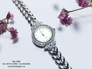 Đồng hồ bạc trắng trẻ trung