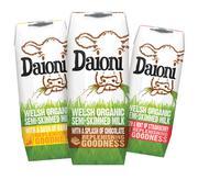 Sữa tươi hữu cơ tách kem ít-semi skimmed milk Daioni vị dâu, chuối, chocolate (Anh) 200ml/hộp