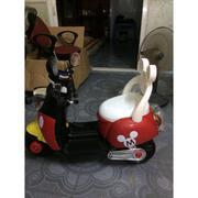 Xe máy điện Mickey kiểu dáng Vespa dành cho bé ( Đỏ Đen )