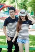 Áo thun couple sọc in resurf