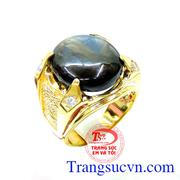 Nhẫn nam saphire đeo mạnh mẽ