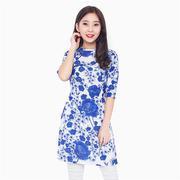 Áo dài cách tân nền trắng hoa xanh - xu hướng hè 2016