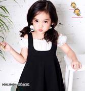 Set áo sơ mi bẹt vai phối đầm yếm dễ thương cho bé gái 1 - 8 tuổi DGB129828