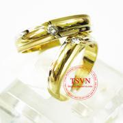 Nhẫn cưới vàng gắn kim cương
