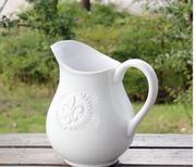 Bình hoa sứ có tay cầm 11.5x 9 cm(Trắng)