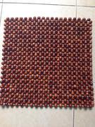 Lót ghế văn phòng gỗ hương (hạt lớn 1,5cm)