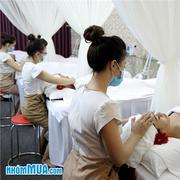 Tắm trắng thảo dược thiên nhiên + Massage body - Phương Uyên